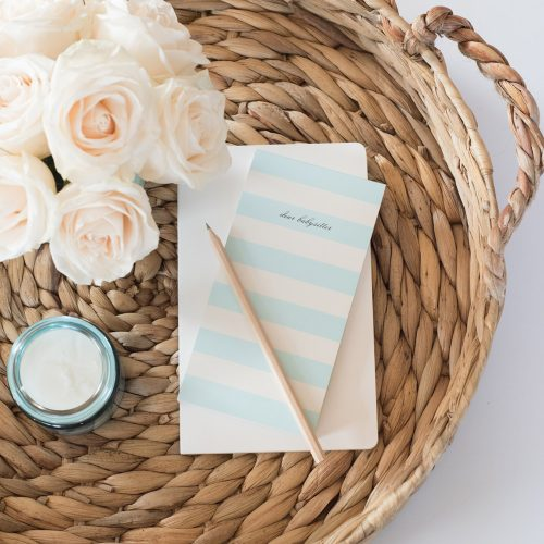 white-roses-basket-notepad