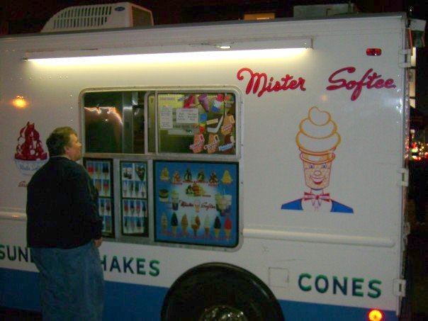 Opera singer at an ice-cream truck