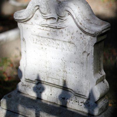 The Circular Graveyard