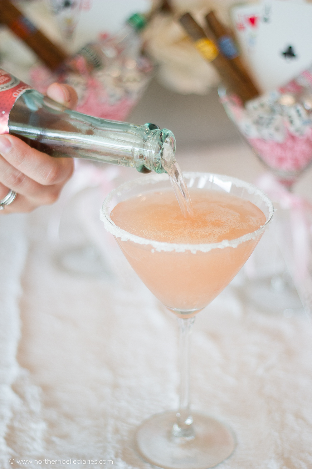 Ladies' Night gift idea + cocktail #recipe #cocktail