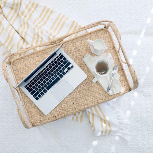 macbook-on-tray