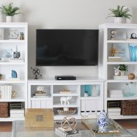Beautifully decorated living room bookshelves