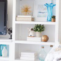 Bookshelf styling with The Decor Fix method