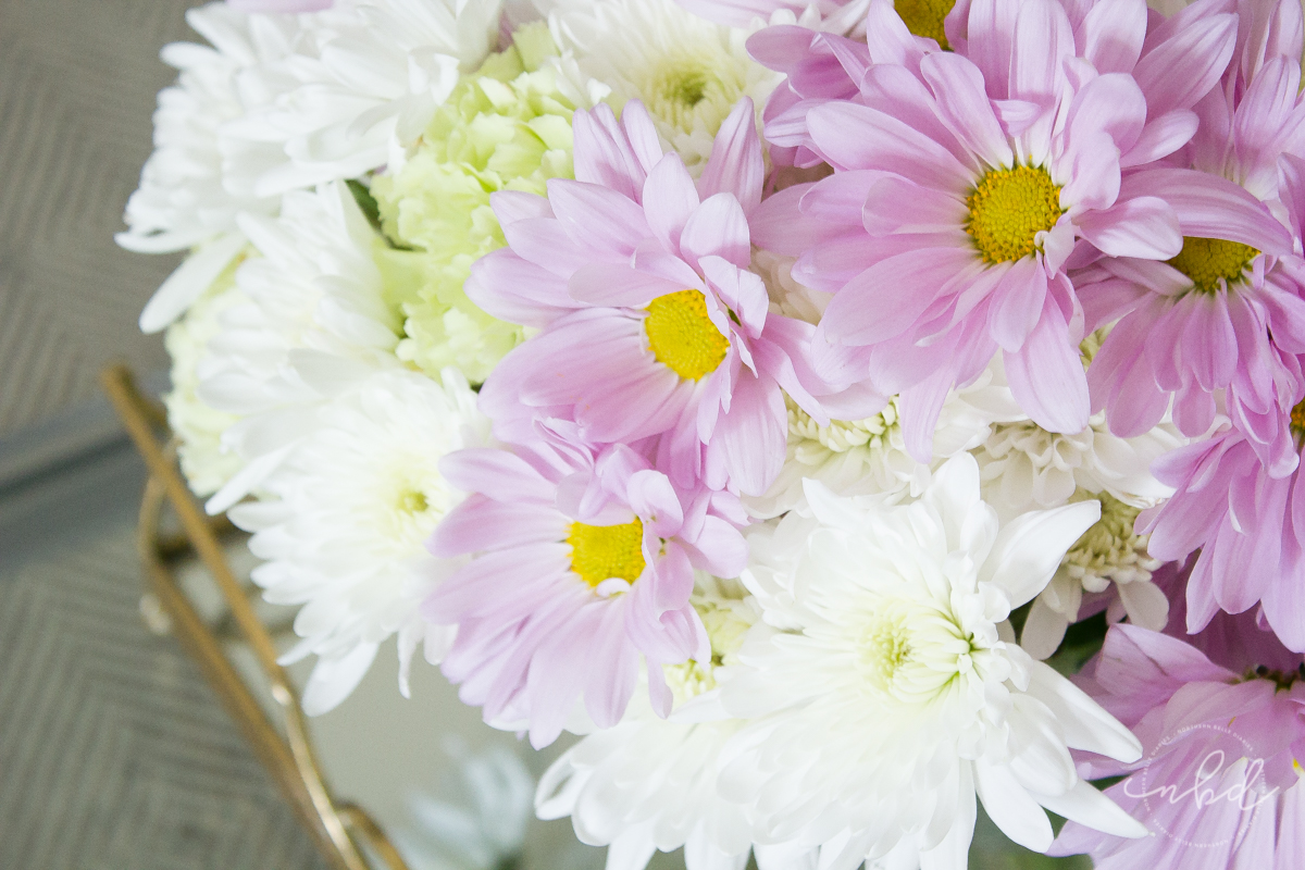 lavender daisies and white chrysanthemums