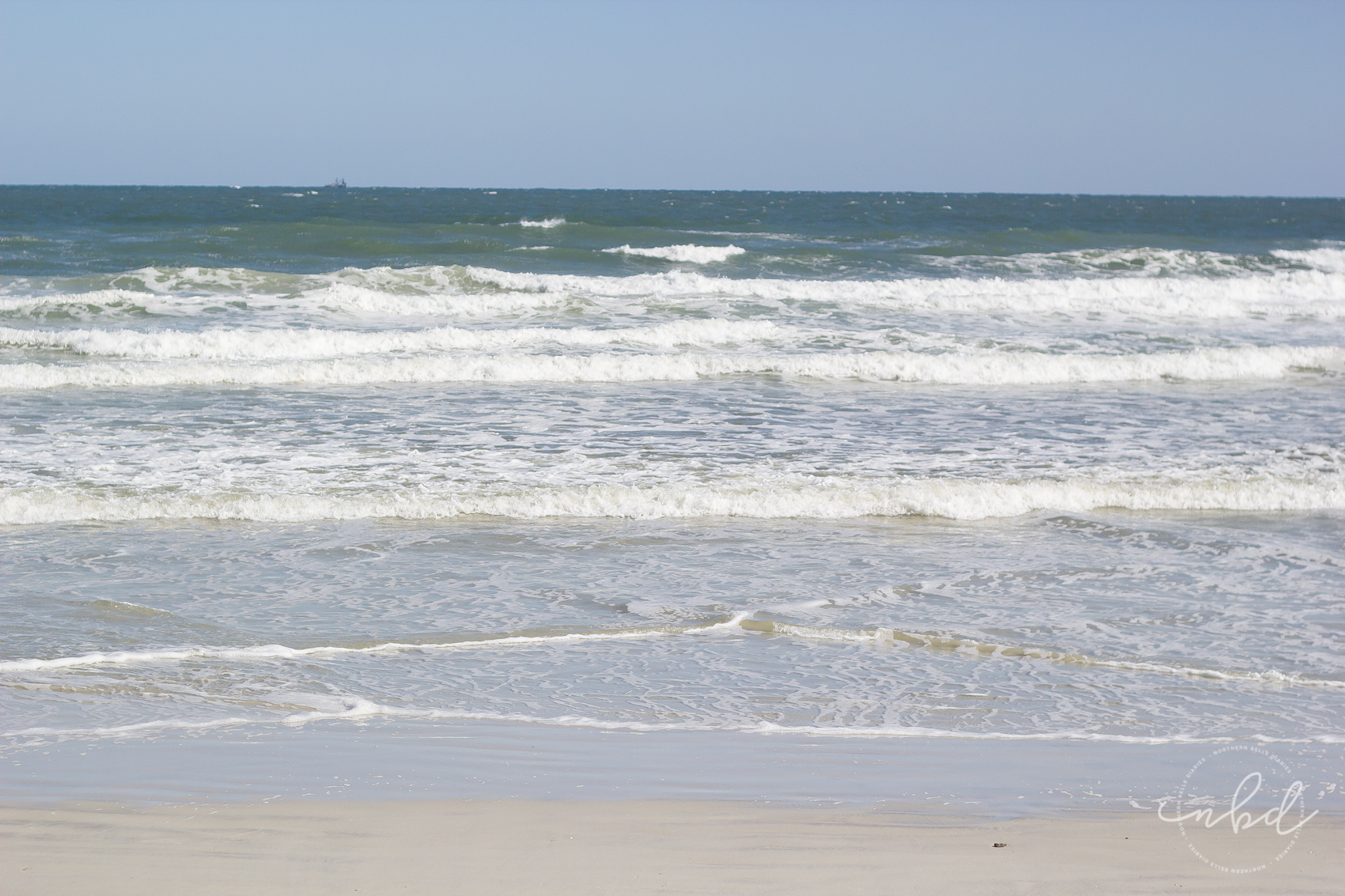 ocean waves at Daytona Beach