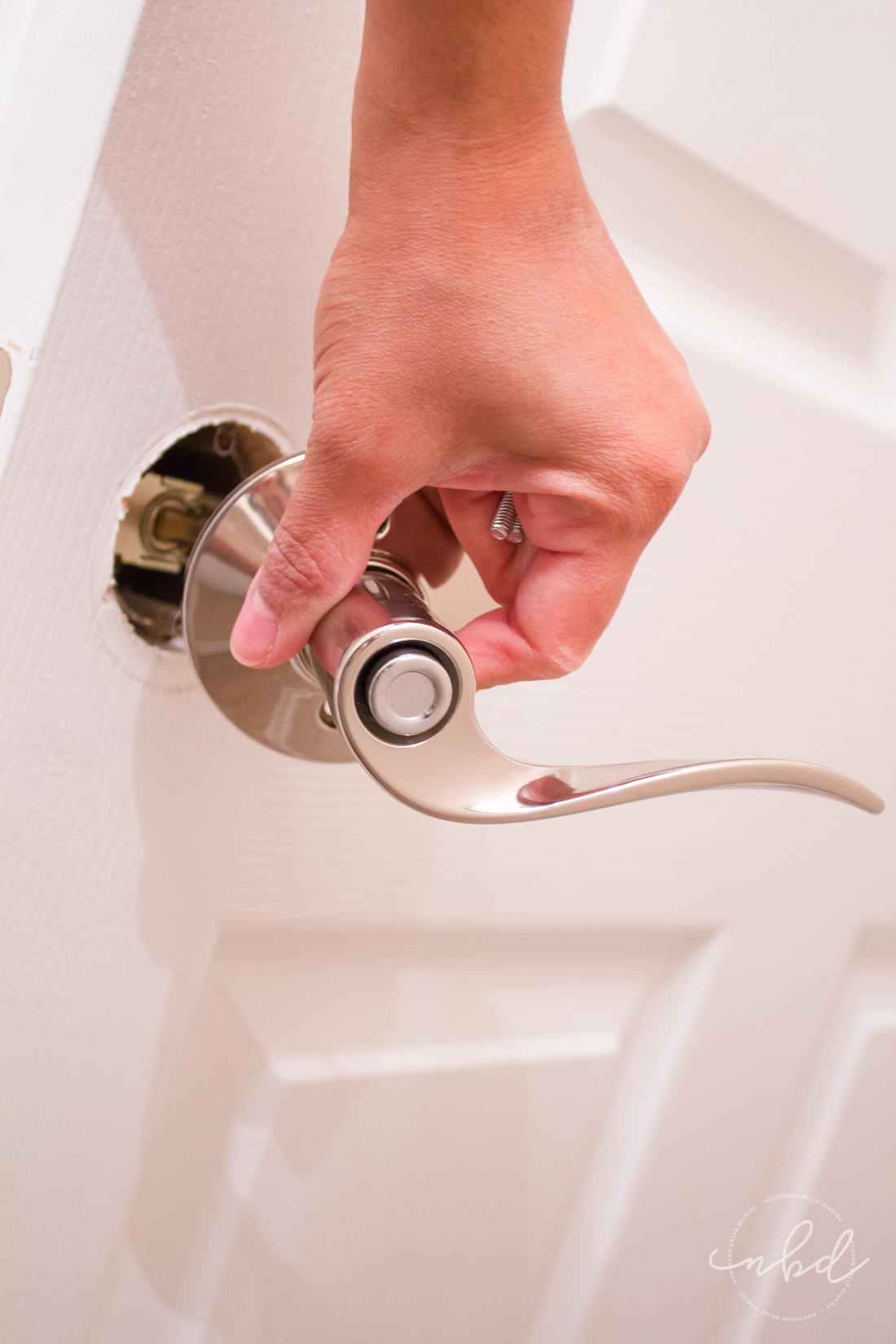 How to Install Reversible Doorknobs - figuring out the right side