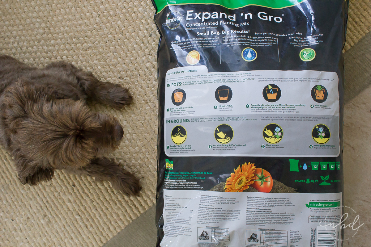 Expand 'n Gro holds up to 50% more water so your plants stay hydrated and it feeds them for up to six months, producing up to 3x bigger plants.