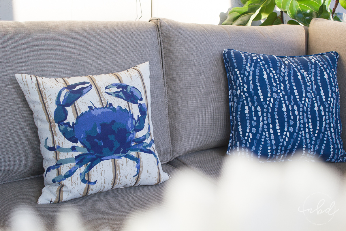 Lowe's #MyOutdoorOasis aquatic throw pillow and Maryland Blue Crab pillow - La La Lisette