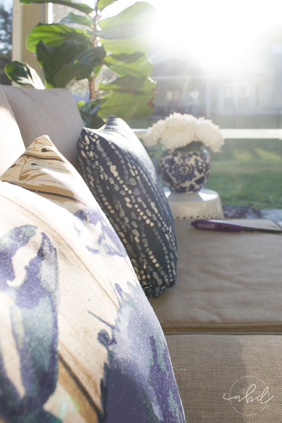 Lowe's #MyOutdoorOasis pillows and sunshine - La La Lisette