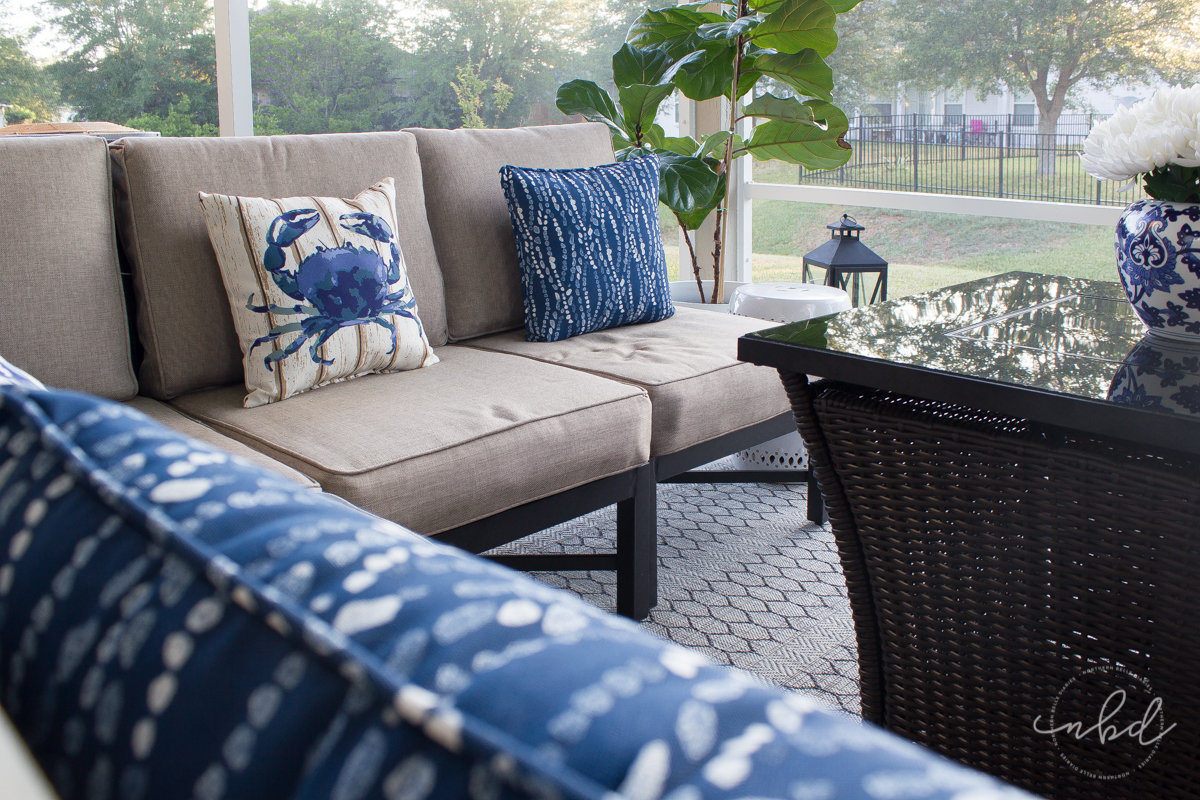 Lowe's #MyOutdoorOasis throw pillows and cushioned patio set - La La Lisette