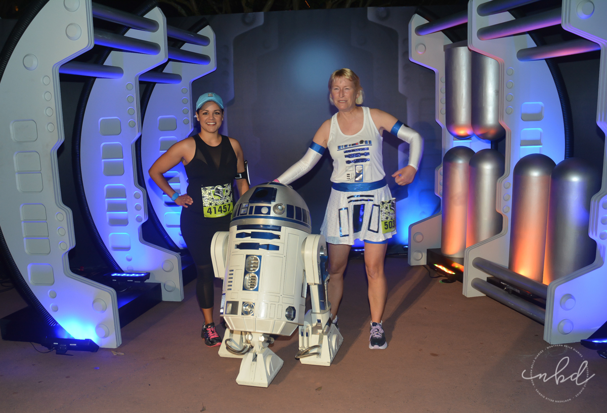 R2D2 at Disney Star Wars Darkside Challenge 5k