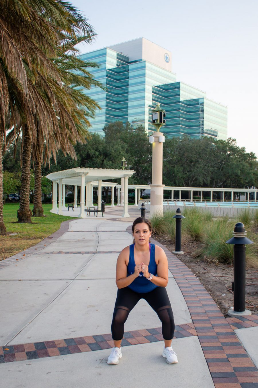 BodyBoss Fitness Guide Review | Glute lunge