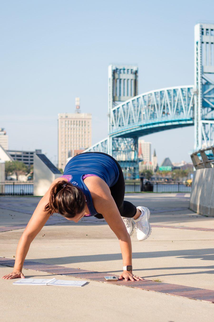 BodyBoss Fitness Guide Review | Side Jacks 2