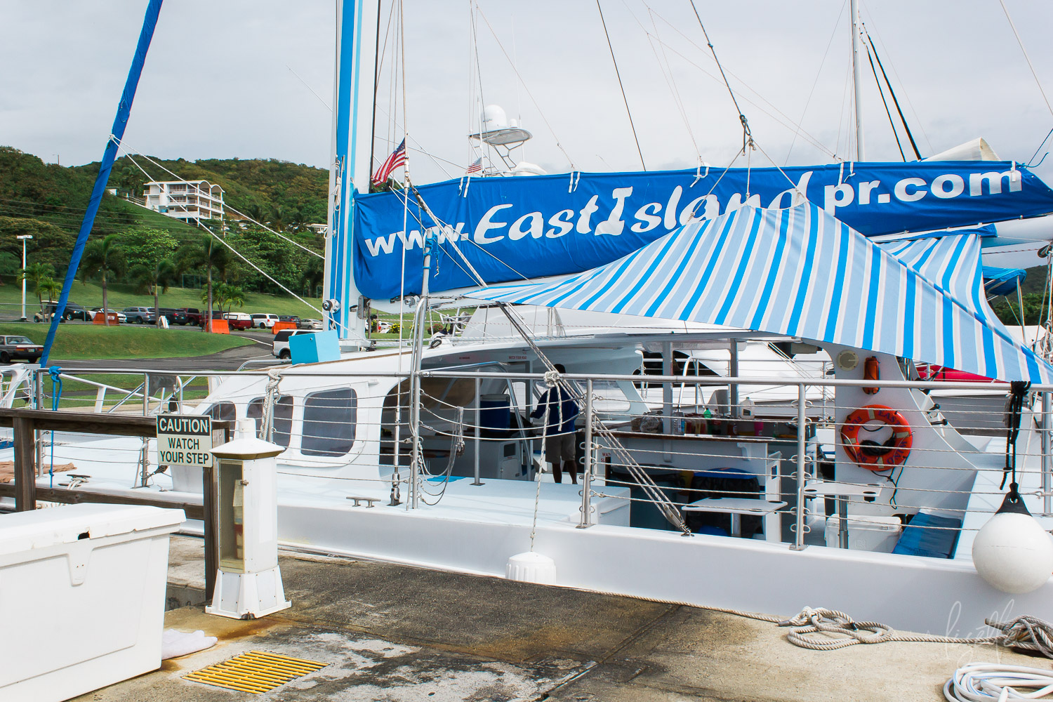 Catamaran-Excursion-East-Island-Tours-PR