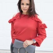 Unique Gifts for Her | La La Lisette - Let Tote subscription red ruffle top and faux leather leggings #wishlistbbxx