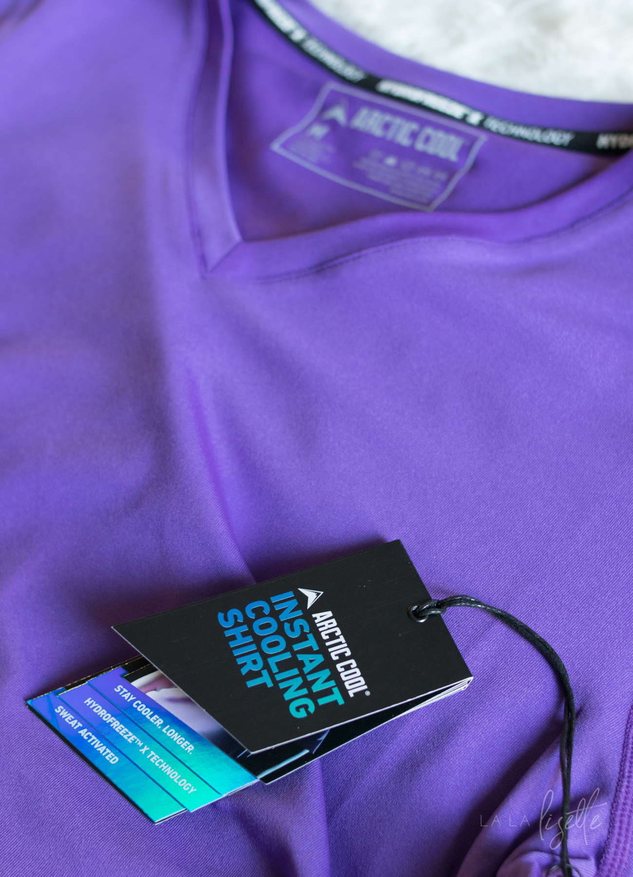 Unique Gifts for Her   La La Lisette - Are you still looking for unique gifts for her? These gifts are perfect for the person who has everything and are a little hard to shop for. Arctic Cool Hydrofreeze shirt #ad #WishListBBxx