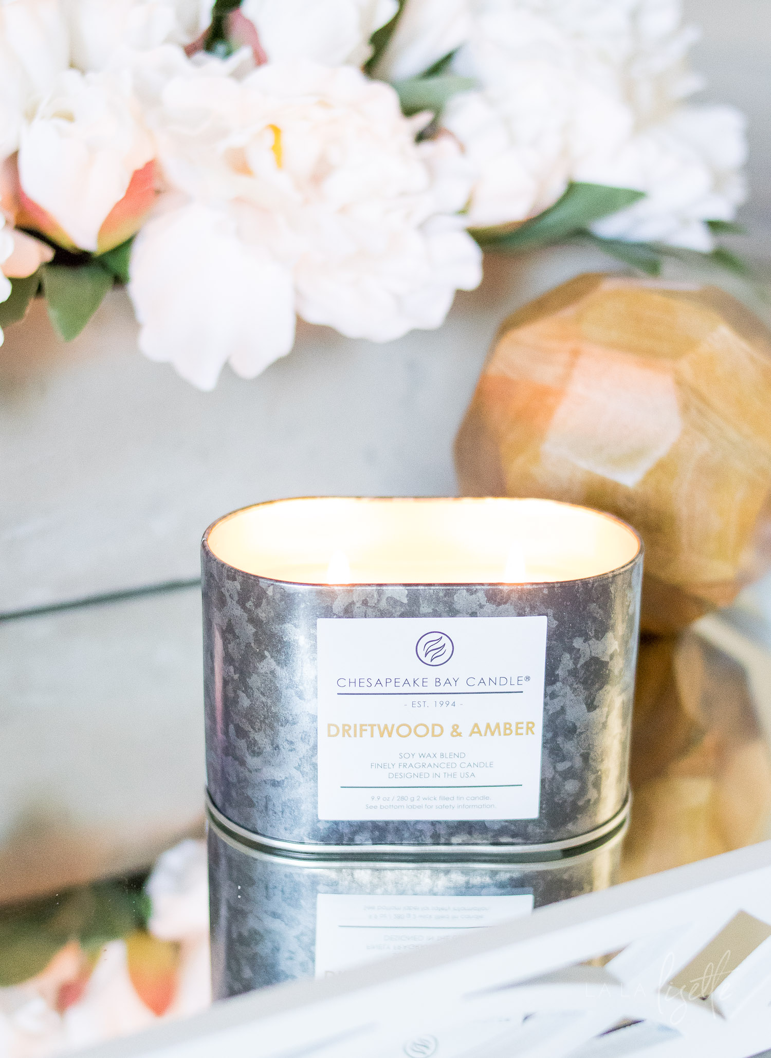Chesapeake Bay Candle - The Heritage Collection Driftwood Amber lit | La La Lisette