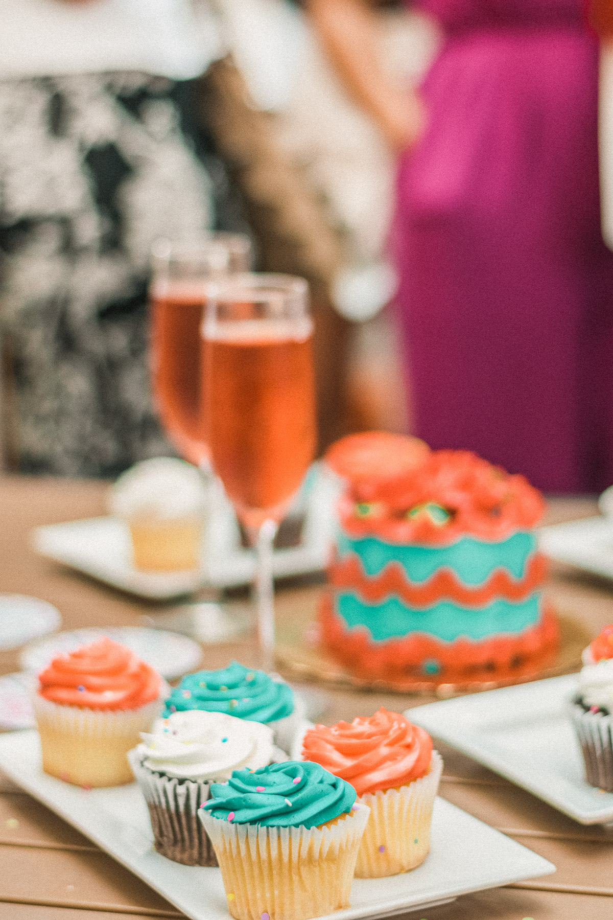 cupcakes and rose