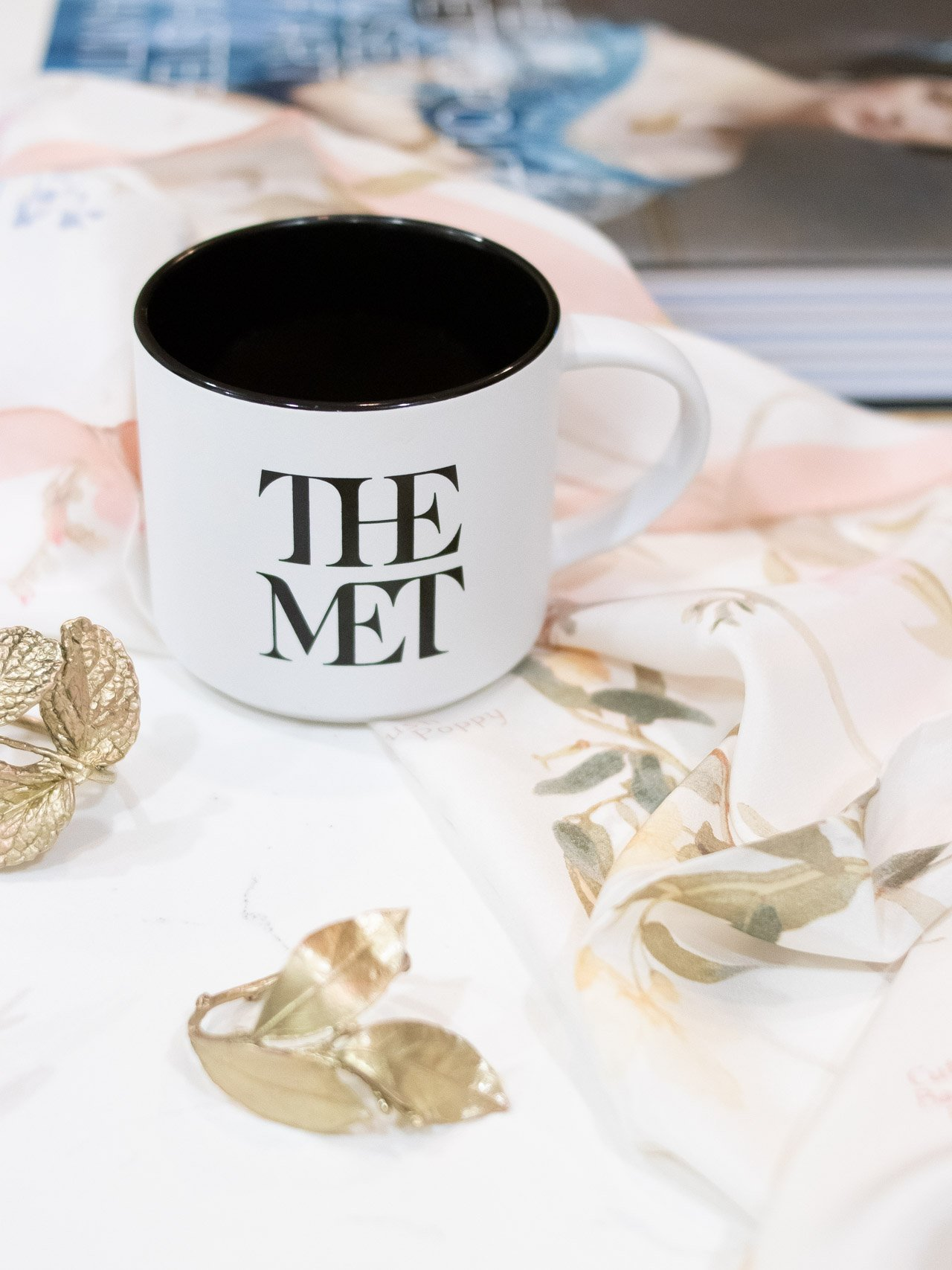 Shopping for someone who loves art? Finding the perfect art gift at The Met Store is easy. #TheMet #TheMetStore #giftguide